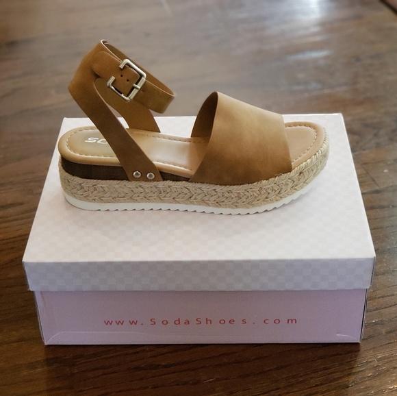 b697b4be80f SODA Topic Tan Womens Espadrille Flatform Sandals NWT